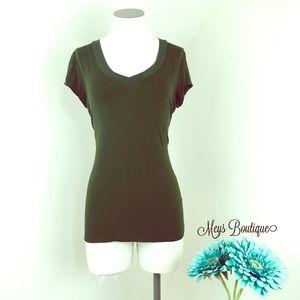 ⭐️Merona Dark Green V-Neck Top Size S⭐️